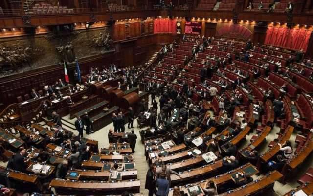 Crisi di Governo all'italiana, a perderci sono solo i cittadini.