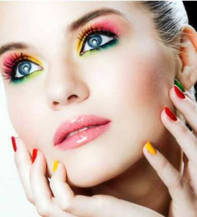 Colorful Eye Makeup Ideas. Freshen up your look with these ... Funky Eye Makeup Ideas, Colorful Eye Makeup, Small Eyes Eye Makeup, Flirty Spring Makeup Ideas,