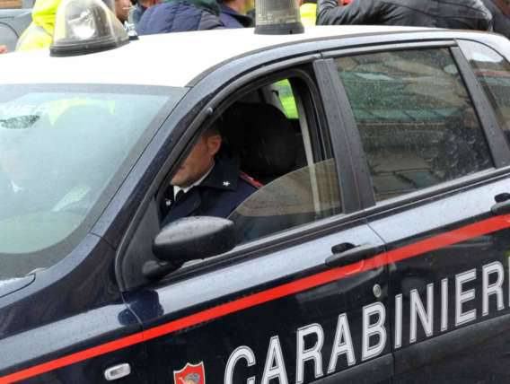Pattuglia dei carabinieri in azione