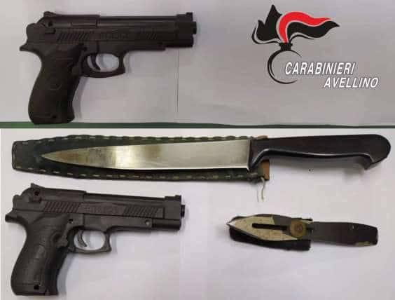 Carabinieri sequestrano Pistole e coltelli