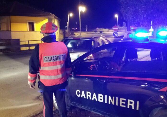 Carabinieri in posto di blocco a Montoro