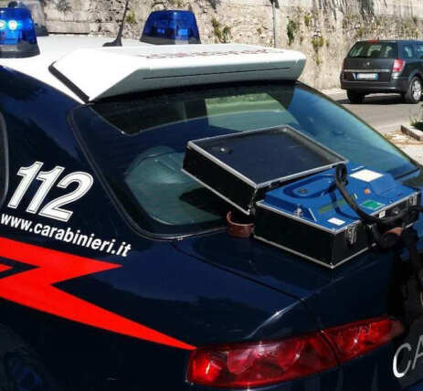 Carabinieri effettuano etilometro