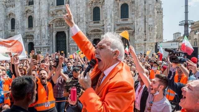 Pappalardo, manifestation dei gilet arancioni